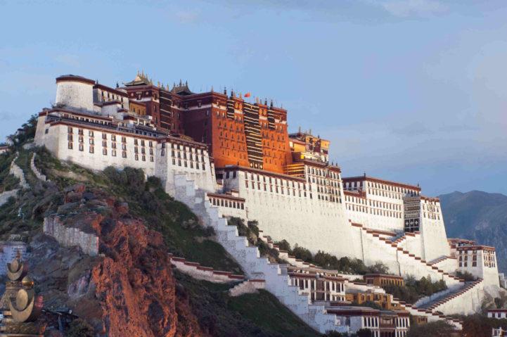 O Palácio de Potala no Tibete